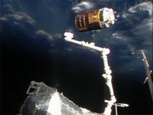 HTV v poslednej fáze priblíženia k ISS.