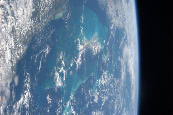 Přelet nad Bahamami