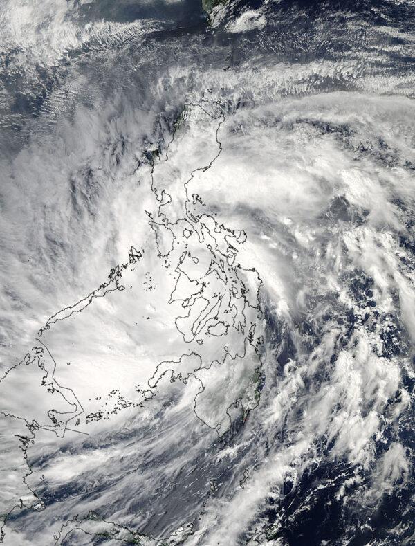 Tato fotka pochází z družice Aqua, konkrétně z přístroje MODIS. Vznikla 8. listopadu v 6:10 SEČ.