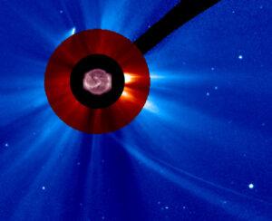 Kometa, nebo to, co z ní zbylo na snímku z přístroje LASCO C3 na sondě SOHO