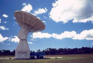 Anténa v Kourou, která zajišťuje komunikaci se sondou Chang'e-3