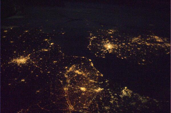 Londýn, Paříž, Brusel a Amsterdam na jedné noční fotce