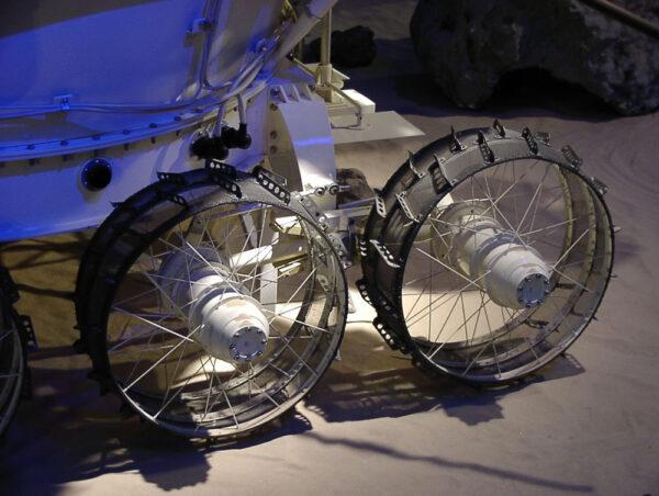 Detail řešení podvozku Lunochodu.