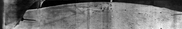 Přistávací plošina sondy Luna 21 tak, jak ji viděly kamery Lunochodu 2.
