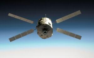 ATV-1 Jules Verne během svého přiblížení ke stanici v březnu 2008.
