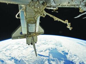 Víceúčelový logistický modul Leonardo v nákladovém prostoru raketoplánu Discovery během jedné ze svých zásobovacích misí ke stanici.