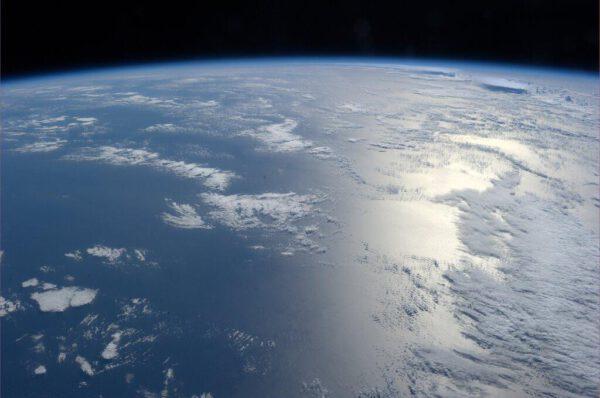 """Fotka sice postrádá lokalizaci, ale Hopkins ji nazval velmi trefně: """"Země je krásná."""""""