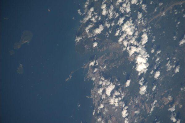 Panamský kanál, u kterého čekají lodě na povolení ke vplutí