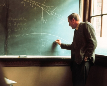 Profesor Armstrong na University of Cincinnati