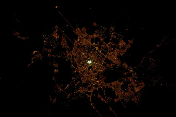 Další posvátné město - Medína v Saúdské Arábii.