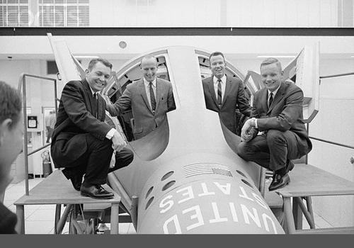 Hlavní a záložní posádky Gemini V