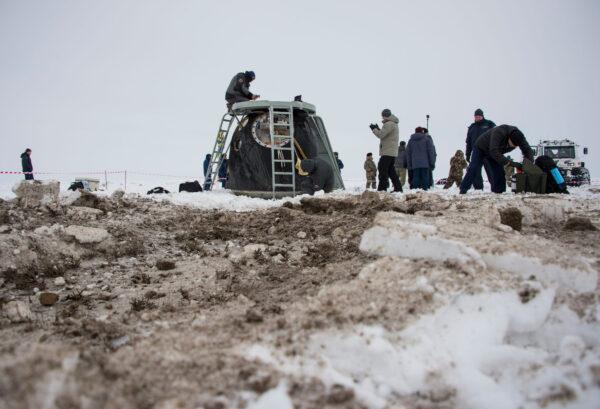 Sojuz TMA-10M přistál