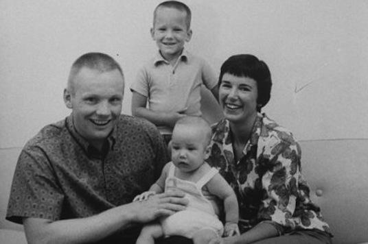 Rodina Armstrongů ve šťastnějších časech
