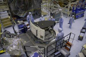 Poslední testování a kontrola Wide Field Camera 3 v Kennedyho vesmírném centru