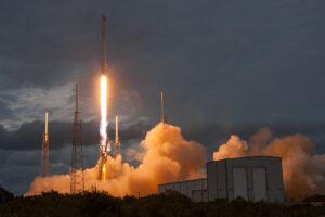 Start rakety Falcon 9 v1.1 s družicí Thaicom6