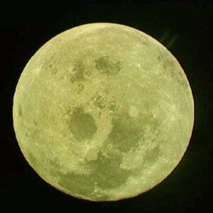 Vzdalující se Měsíc pohledem z Apolla-11