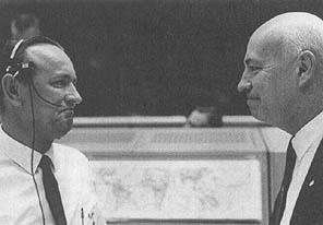 Žák a učitel... (zleva: Kraft, Gilruth)
