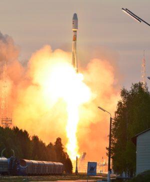 Start rakety Sojuz 2-1A s družicí Kosmos 2495