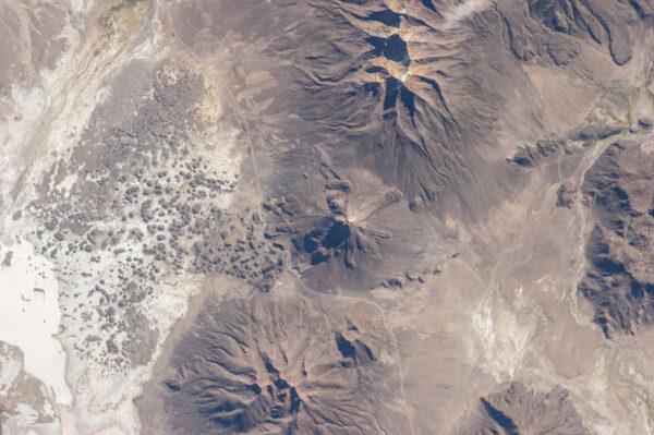 Tata Sabaya - stratovulkán, který bychom našli v bolivijských Andách