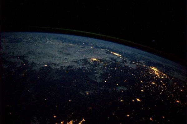 Noční svit Rio de Janeira a Sao Paula