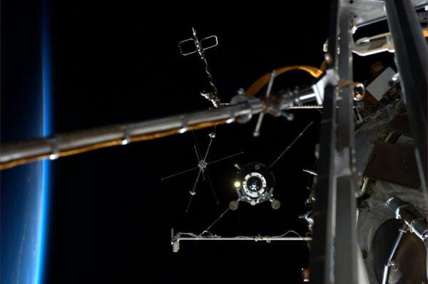 Progress odlétá od ISS