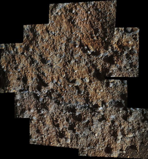 Mozaika terénu z oblasti Darwin, když bylo Slunce nízko nad obzorem