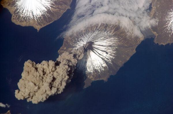 Cleveland Volcano - stratovulkán z Aljašky