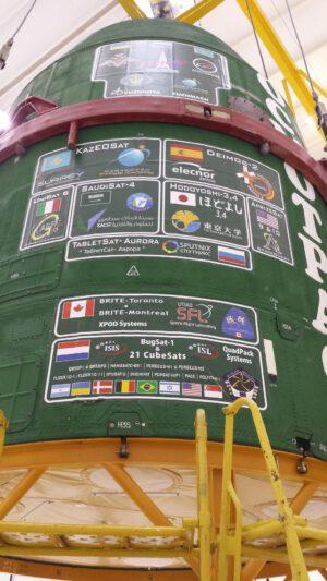 Loga všech satelitů, které vynesl Dněpr-1