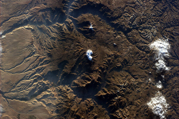 Sopka Sairecabur v poušti Atacama