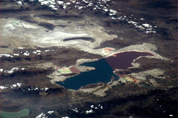 Velké solné jezero v Utahu
