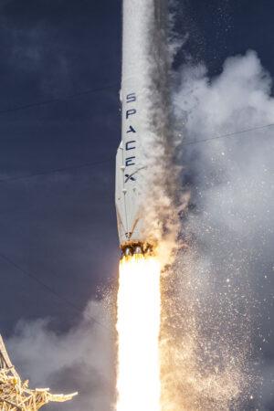 Síla 5,6 MN vynáší  506 tun vážící raketu navzdory zemské gravitaci.