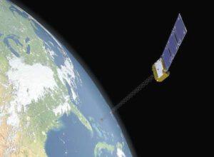Ilustrace komunikační družice Orbcomm OG2 na oběžné dráze.