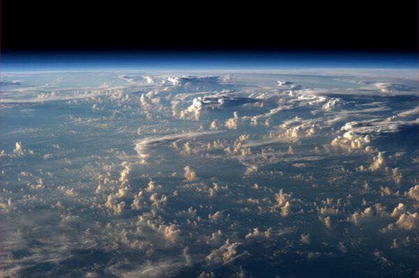 Další krásně osvětlené mraky
