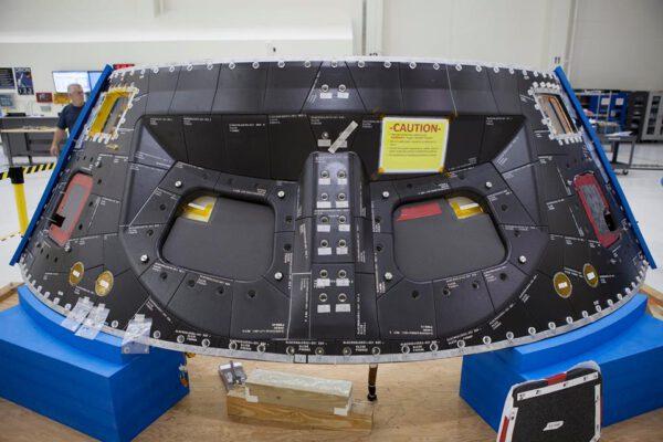 Přední štít lodi Orion