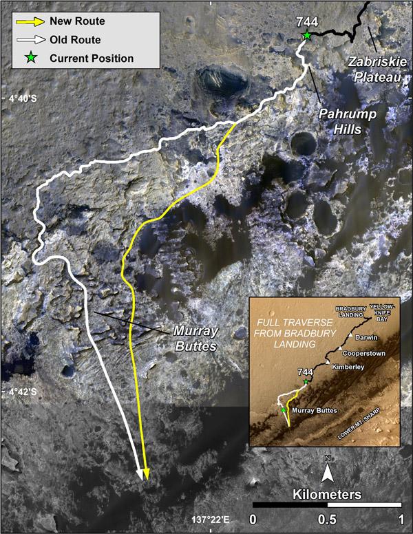 Porovnání dříve plánované cesty (bíle) s novou trasou (žlutě).