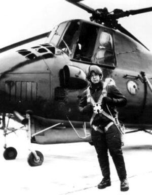Leonov během výcviku na vrtulníku Mi-4