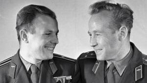 Gagarin a Leonov