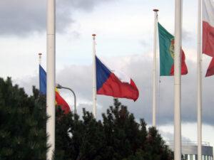 ČR je členem ESA, proto zde nechybí česká vlajka