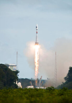 Start rakety Sojuz s navigačními družicemi Galileo.