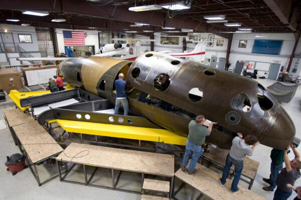 Výroba prvního stroje SpaceShipTwo (VSS Enterprise).