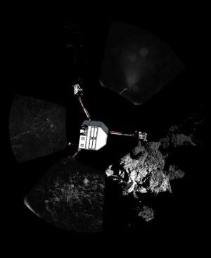 Mozaika z kamer CIVA doplněná o vizualizaci modulu Philae pro lepší pochopení jeho umístění - horní noha trčí do prostoru