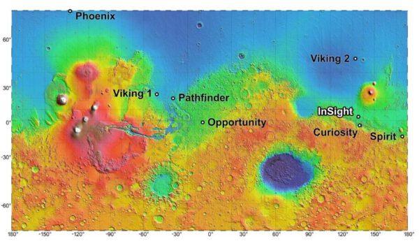 Definitivní místo přistání mise InSight zatím není známo, ale všichni kandidáti se nacházejí velmi blízko sebe - jen několik stovek kilometrů severně od kráteru Gale, kde právě pracuje Curiosity.