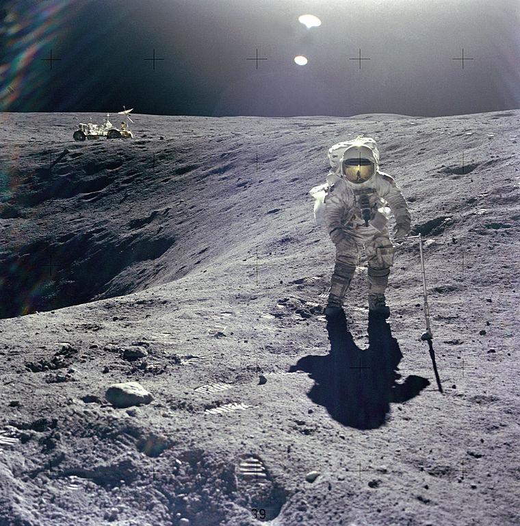 Další nesmrtelná fotografie: Duke u kráteru Plum