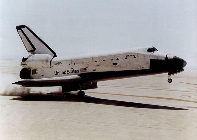 Young právě přistál s Columbií po prvním kosmickém letu