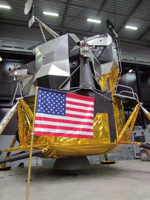 Model lunárního modulu z programu Apollo