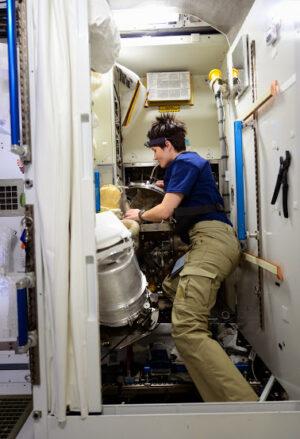 ISS je náš domov a mít správně fungující toaletu je opravdu důležité!