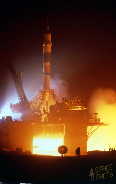Sojuz T-6 se vydává do vesmíru