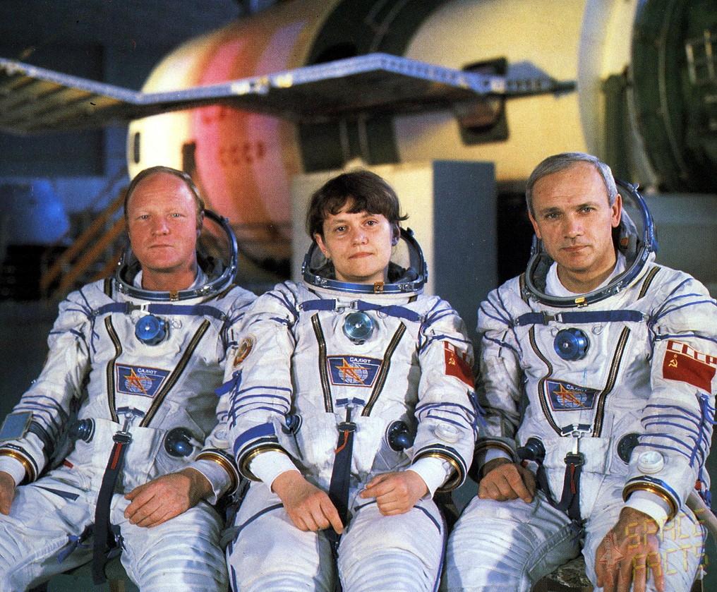 Posádka Sojuzu T-12