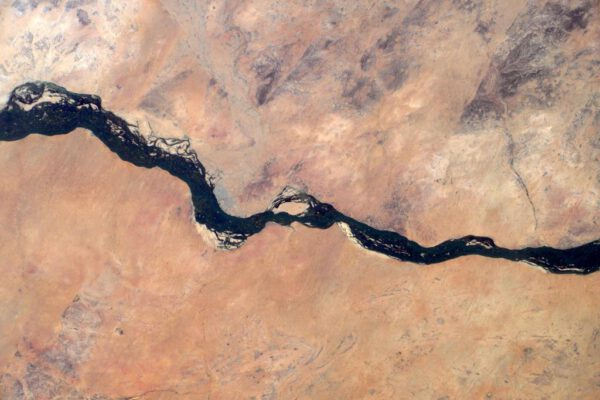 """""""Na řece Niger se nachází Gao, kdysi hlavní město Songhajské říše. Askijská hrobka v Gao je světovým dědictvím UNESCO."""""""