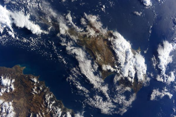 """""""Zdravím Kypr! Tohle sobotní ráno vypadáte z vesmíru nádherně!"""""""